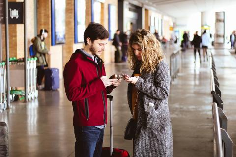 VENTE? Er det lurest å ta ut valuta på flyplassen eller vente til du kommer frem?