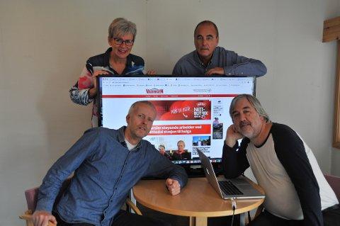 RIKTIG VEI: Varingens deskledere, Truls-Jarle Hansen (t.h) og Sigbjørn Høidalen konstaterer med tilfredshet at opplaget øker. Bak skjermen journalist Anja Drangsholt og redaktør Jan Fossen.