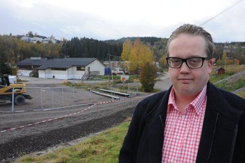 Fremskrittspartiets gruppeleder Helge Fossum karakteriserer Høyres Ann Kristin Bakkes utspill etter raset på Li som både uverdige og usmakelige.