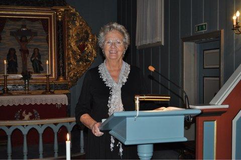 Vigdis M. Gjelsvik deklamerer dikt om sorg og håp i både Nittedal og Hakadal kirker førstkommende søndag.