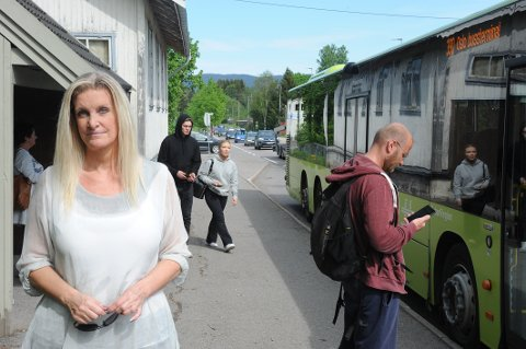 GJØR SOM DE VIL: Ruter bare later som om reisende i Nittedal får ønske seg nye bussruter, mener pendler  Stina A. Ravn.