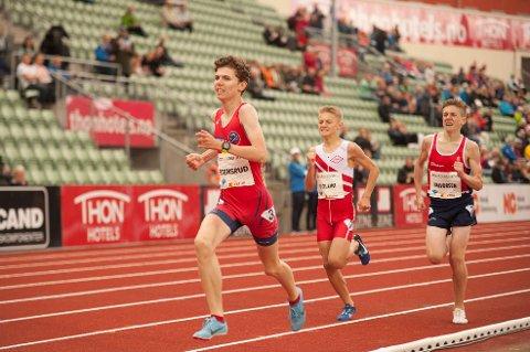 GOD I MYE: Simen Gløgård Stensrud er i norgestoppen både i friidrett, orientering og langrenn. Nittedølen ble nummer tre på 800 meter på Bislett.