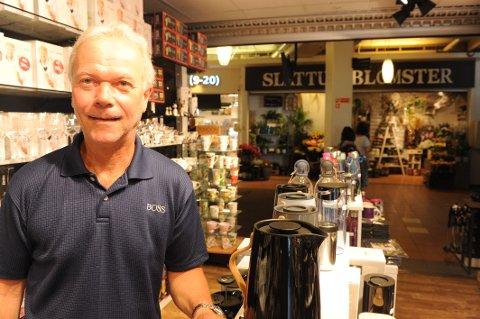 FORNØYD: Rune Fagermo (56) angrer ikke på at han åpnet butikk i Nittedal.