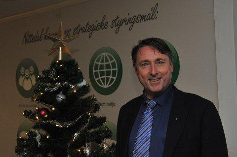 KRISELEDER: Fungerende ordfører Inge Solli (V) får rapporter om smittetall også gjennom julehelga.