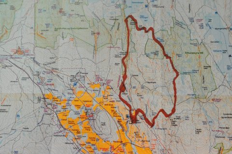 RUNDTUR OVER TRE TOPPER: Kartet viser i grove trekk traseen over de tre nye toppene på Romeriksåsen. De vil inngå i neste års 7-topptur.