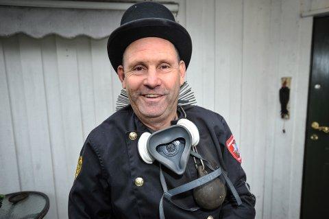GIR RÅD: Feierkoordinator i MOVAR, Øystein Engen, gir råd om fyring.