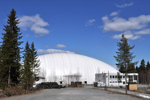 UNDER PLANLEGGING: Administrasjonen i Vestby er i full gang med planleggingen av fotballhall på Risil. Kommunestyret vedtok før jul at det i 2021 skal brukes 12,5 millioner kroner på en slik hall.