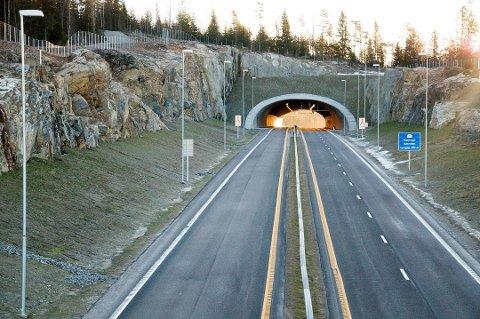 RÅKJØRTE: Fartsgrensen på E18 gjennom Indre Østfold er 100 km/t. I mai i år ble bilmekanikeren bosatt i Follo målt til 192 km/t.