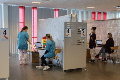 I Vestby foregår vaksineringen mot koronaviruset i Vestby Arena.