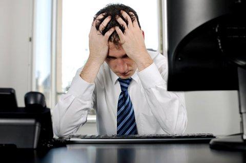 TIDSPRESS: Norske arbeidstakere opplever tidspress og mangel på ressurser som mest utfordrende på jobb.