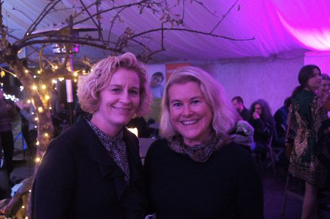 AVSLUTNINGSFEST: Anne Grethe Bakken fra Start i Vestfold og Ellen Gran fra Bedriftsenteret i Vestfold AS under avslutningsfesten for Gründeruka 2015.