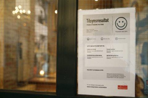 Slike plakater fra Mattilsynet utgjør et savn i cateringbransjen.