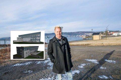 BYGGING I GANG: Om et drøyt år flytter daglig leder Thor-Anders Lundh Håkestad og et tjuetall av hans ansatte inn i selskapets nye hovedkontor på Marius Brygge. Bygget skal selvsagt bestå av larvikitt fra gulv til tak.