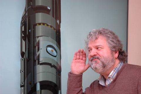 KAN DU HØRE TRYKKET? : TECHNI, her representert ved adm. dir. Dag Almar Hansen, lytter seg til suksess. Teknologien lytter etter trykk og temperatur tvers gjennom tykke stålvegger.