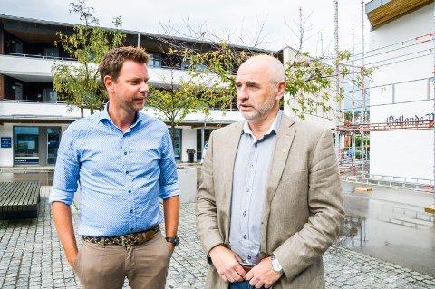 IKKE IMPONERT: Vestfold Aps Truls Vasvik (t.v.) og Dag Terje Andersen liker dårlig statsministerens løfter om kutt i formuesskatten for landets rikeste. Foto: Lasse Nordheim