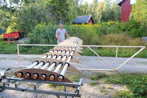 LANGT: Hovedvingen er hele seks meter lang, men det gjenstår å se om det holder for at konstruksjonen klarer å fly i konkurransen.