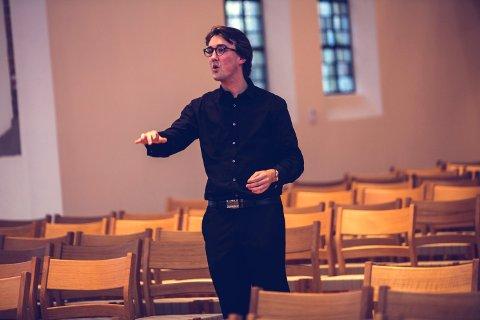 Masterstudent Mick Aspen Melby overtok dirigentansvaret ved nyttår.