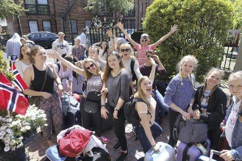 Sangglade: I september setter denne gjengen opp sine egen musikal i Drøbak. Fire dager i London inspirerte stort. Foto: Privat