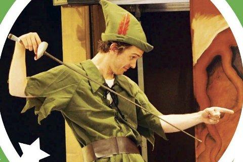 Peter Pan: Torsdag kan du se Peter Pan duellere med Kaptein Krok på Sommerscenen i Drøbak. Foto: Promo