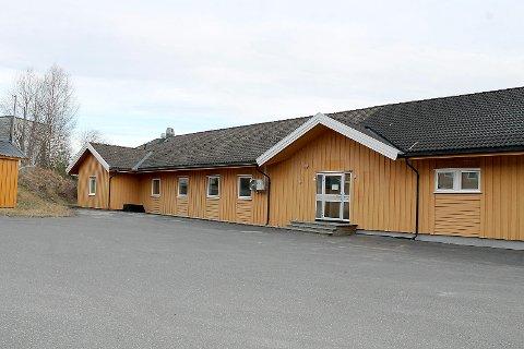 Etter at selskapet MegaLink flyttet til Vestby har disse lokalene stått tomme. Nå vil kommunen leie lokalene til årlig leie kr. 1,1 millioner kroner