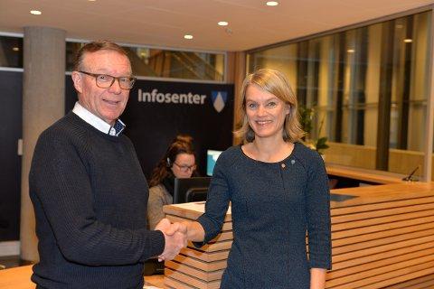 Thor Bjørn Lie og Nina Sandberg på Tangenten. Intensjonsavtalen ble undertegnet torsdag morgen.