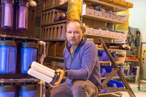 Nyinnflyttet: Morten Engen i Eco Water har nylig etablert seg i Frogn. Han lager vannrensingssystemer til tannlegekontorer, hyttefolk og bistandsorganisasjoner.