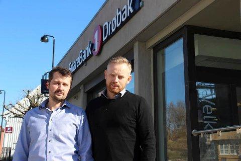 MEGLERE: Det er Carsten Syvertsen og Andreas Kalfoss som i dag betjener kontorene hos Eiendomsmegler 1.