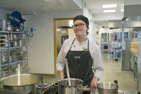 Ser fram til læretiden: Kim-Aurora Francisca Orning gleder seg  to års læretid på Strand restaurant i Bærum.