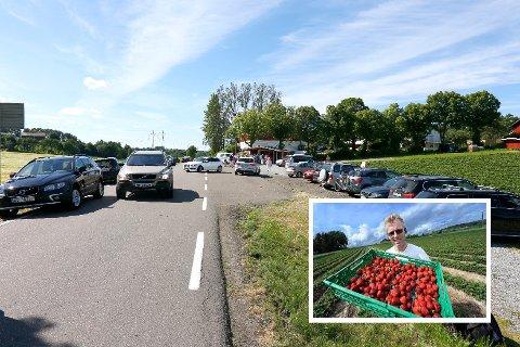 - Vi må utvide parkeringsplassen, hvis Landbrukskontoret godtar søknaden, sier Per Fredrik Saxebøl (innfelt).