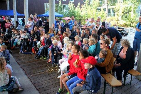 Store og små: Det var cirka 2000 besøkende under barnefestivalen i Tangenten lørdag. Foto: Marte Marie Frisell