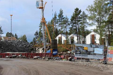 UTBYGGING: Det er her Euro Eiendom a/s bygger leiligheter, og som fører til trafikk til og fra boligfeltet.