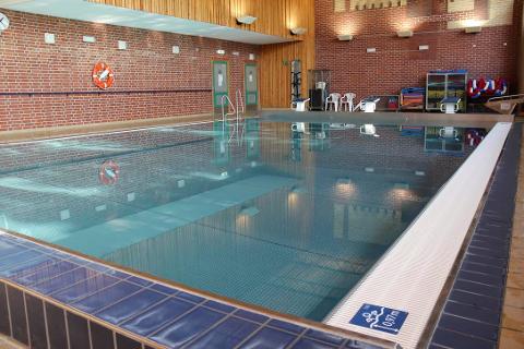 FYLLT OPP: Svømmebasseget ved Seiersten ungdomsskole er fyllt opp igjen etter å ha blitt tømt 22. desember.