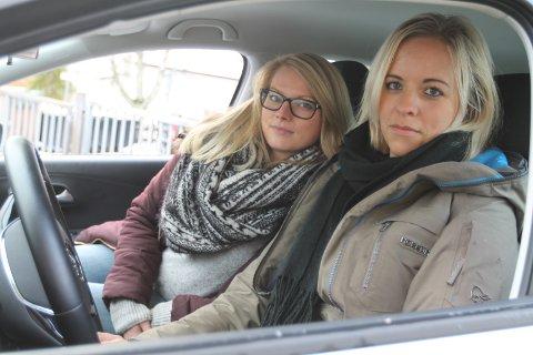 """For Stine Harbø og Madeleine Skutle ble veien til førerkortet lenger enn de hadde forestilt seg. De kjøpe en """"pakke"""" uten refusjonsmulighet."""