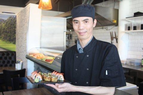 Kokken: Nam Thanh Le fra Vestby er mannen bak Vi Sushi&Wok på Dyrløkke.