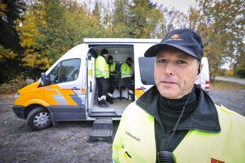 Vidar Samuelsen i Statens Vegvesen minner om nye regler for dekk-mønster fra 1. november.