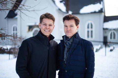 Konsert 15. desember: Brødrene Martin (til v.) og Henrik Enger Holm holder konserter i Haslum, Fagerborg og Drøbak kirke i år. - Vi gleder oss, og håper mange kommer, sier de.
