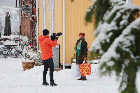 God drøbakreklame: Allerede i 10.30-tiden mandag var NRK i gang med opptak til kveldens sending.