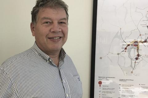 – Lettvint og bekvemt hvis polet er på Drøbak City, sier ordfører Haktor Slåke, men han mener likevel at polet skal være i Drøbak sentrum.