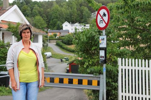 - STOPP KLAGINGEN: - Jeg tror det skal gå veldig bra for naboene når utbyggingen kommer  gang, sier Hege Wike. FOTO: Ole Jonny Johansen