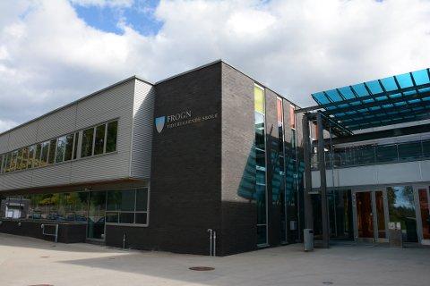 Mandag ble rektor ved Frogn vgs., Pernille Haga, informert av kommuneoverlegen i Ås om at en elev ved skolen har testet positivt for koronasmitte.