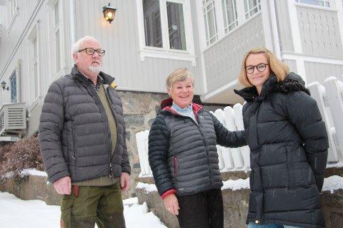- Vi er blitt beæret med en veranda på toppen av glassverandaen. Det er jo helt gull, sier Frank og Else Martinussen, som roser sønnen Erik og svigerdatteren Camilla for gjennomføring av prosjektet.