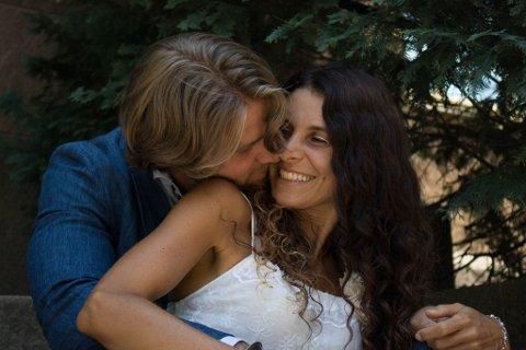 Karina Hoepers og Philip Dons inviterer 25 nesoddinger til et kjærlig samvær på Berger på formiddagstid 30. november. Foto: Privat