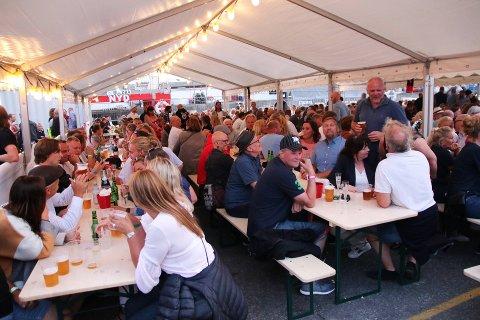 2018: Arrangør Knut Arne Bergan forsikrer at han har bestilt pent vær, slik han gjorde før fjorårets festival på Fagerstrand. Foto: Tor-Arne Dunderholen