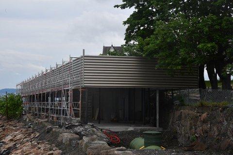 Åpner ikke: Det var planlagt åpning av taket på Signalen førstkommende tirsdag. Men noen åpning blir det ikke. Foto: Trond Folckersahm