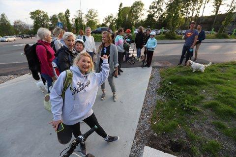 Kaja Vedvik inviterte voksne folk til å komme i skateparken på mandag. Skateklubben har fått navnet Rullekake.