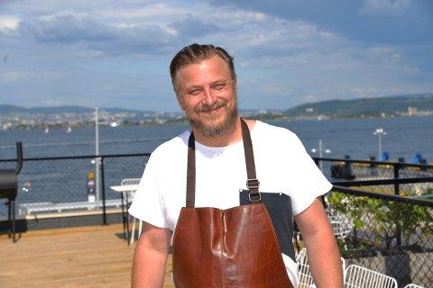 KAN SMILE: Dag Tjersland har all grunn til å være fornøyd med starten til Signalen Sjøbad.
