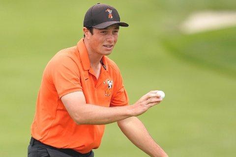 Hovland traff samtlige 14 fairways på vei til en sluttscore på -5 for dagen. I skrivende stund har 21-åringen avansert 30 plasser og ligger på en delt 19. plass i PGA Tour-turneringen i Minnesota.