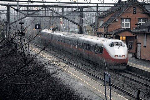 På flere togstrekninger har det i sommer vært buss for tog i sommer.