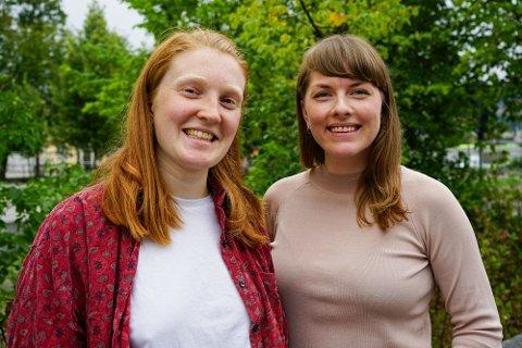Hvert halvår får to utvalgte unge dramatikere skriveopphold på Akershus teater, og høsten 2019 er det Tonje Dreyer Sellevoll (30) og Karine Hoel (23) som blir å se på teatrets kontorer. Foto: Marianne Bain