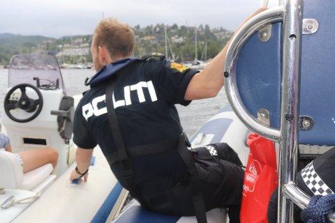 STOPPET EN DEL: Politibåten i Oslofjorden har stoppet en god del båtførere som har hatt for høy promille i sommer. Denne båtføreren hadde dog ikke det